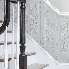 The Anaglypta Dado Panel Wallpaper - Rococo has been specially designed to create an opulent and luxurious look in any room of the house. Vinyl Wallpaper, Anaglypta Wallpaper, Hall Wallpaper, Embossed Wallpaper, Textured Wallpaper, Dado Rail Hallway, Grey Hallway, Wallpaper Staircase, Victorian Hallway