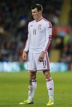 Bale #footballislife  that expression?!  lol priceless!