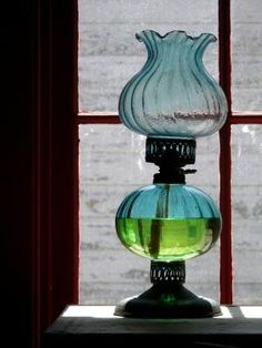 antique oil lamp...I wish I had this one!