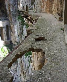 El Caminito Del Rey.. I was there! way below!