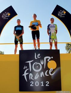The final podium, 2nd FROOME, Christopher (SKY PROCYCLING) + 3:21, 1st WIGGINS, Bradley (SKY PROCYCLING) 87:34:42, 3rd NIBALI, Vincenzo (LIQUIGAS-CANNONDALE) + 6:19