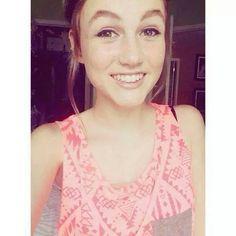 Madison Lintz ♥ Wonderful.Madison Lintz ♥ Maravilhosa Madison Lintz, Crop Tops, Tank Tops, Cute Shirts, Camisole Top, Actresses, Walking Dead, Women, Fashion
