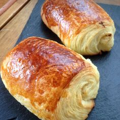 Pains au Chocolat / Croissants – Best for You Cooking Bread, Cooking Chef, Desserts With Biscuits, Good Morning Breakfast, Masterchef, Dessert Bread, Bread Recipes, Love Food, Donuts