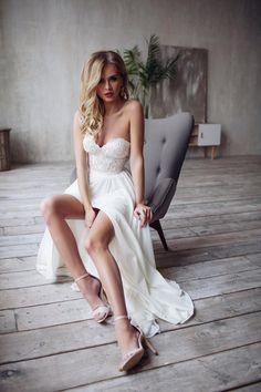 P R O S E C C O chiffon wedding dress wedding dress with | Etsy Informal Wedding Dresses, Lace Beach Wedding Dress, Affordable Wedding Dresses, Wedding Dress Sleeves, Simple Beach Wedding, Perfect Wedding, Style Simple, Dress Picture, Slit Dress