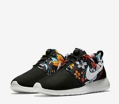 90eeb1c697a2 Nike Hawaiian Floral Roshe Black with Hawaian floral pattern.