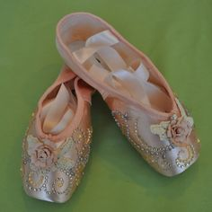 Sugar Plum Fairy decorated pointe shoes #alvasbfm #danceshoes #dance #pointe #pointeshoes