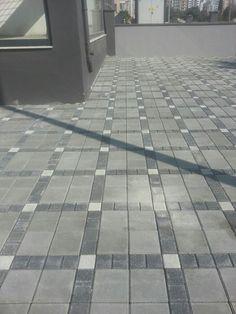 Brick Paving, Concrete Bricks, Paver Patterns, Paver Blocks, Circular Driveway, Entrance Ways, Outdoor Flooring, Kitchen Drawers, Marble Pattern