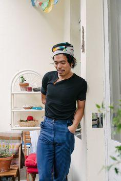Chef Pepe Dayaw grows wild strawberries on his balcony in Berlin — Freunde von Freunden