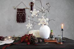 Christmas By Helga M. Snow Flakes by ByHelgaM on Etsy / Macrame Snow Flakes / Makrame / Macramee / Macramé / Handmade Christmas Decor / Macrame Christmas / Snowflakes