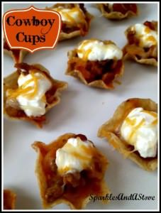 Easy appetizer idea using tostitos scoops, salsa, ranch style beans and salsa. Meat Appetizers, Appetizers For Party, Appetizer Recipes, Wonton Wrappers, Party Snacks, Food Lists, Finger Foods, Food To Make, Chicken Recipes