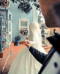 quotes to the couple Muslim Wedding Photos, Wedding Couple Photos, Romantic Wedding Photos, Wedding Couples, Wedding Quotes, Romantic Weddings, Wedding Pictures, Wedding Ideas, Hijabi Wedding