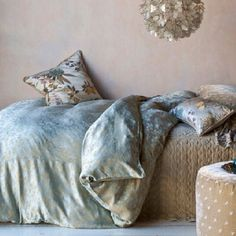 gorgeous bella notte bedding- collette duvet cover in seaglass Cottage Furniture, Shabby Chic Furniture, Wabi Sabi, Shabby Chic Bed Linen, Flannel Duvet Cover, Decorative Pillow Cases, Home Interior, Interior Design, Soft Furnishings