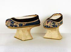 Manchu shoes 19th century