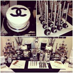 Una decoración de lo más elegante, combinada en blanco, negro y unos toques en rosa, el tema de esta fiesta de cumpleaños está inspirado en Coco Chanel y su famoso perfume. El logo de la marca, las…