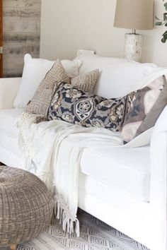 5 Tips for Bringing Texture into your Home: Gorgeous neutral decor is perfected with texture. Don't miss these tips on how to bring texture into your home decor!