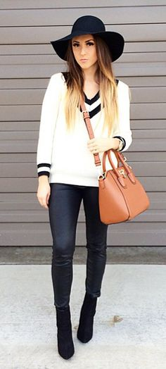 Contrast Deep V-Neck Sweater in White