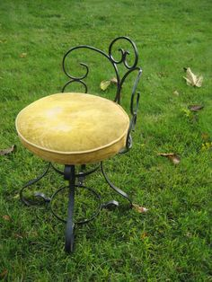 Antique Iron & Wood Ice Cream Parlor Chair | Antique iron, Ice ...
