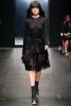 Vera Wang Spring 2016 Ready-to-Wear Fashion Show - Hanne Gaby Odiele