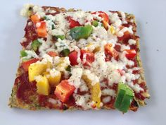 Zucchini Crust Pizza Note: - low cal, only good ingredients - The photo we used. Ingredient Pizza, Mozzarella, Zucchini Pizzas, Pizza Ingredients, Tasty Bites, Cooking Instructions, Vegetable Pizza, Healthy Eating, Crust Pizza