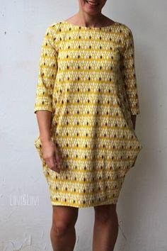 Wisst ihr, was ich am Probenähen mag? Es ist das Experimentieren mit neuen Schnitten und Formen! Manchmal wird man auf Schnitte gestoßen, d... Must Haves, Free Pattern, Cover Up, Couture, Sewing, Knitting, Womens Fashion, How To Wear, Dresses