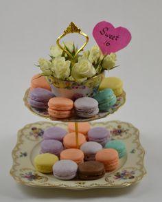 Curiositaellya: Pasithya Macaron/Cake Stands