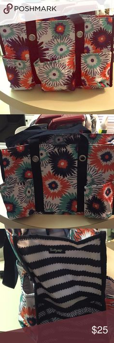 Thirty One Organizing Tote Excellent condition thirty one tote with zip closure. No stains or signs of use. Would be super cute as a diaper bag, work bag, car organizer, office storage, etc Thirty-One Bags