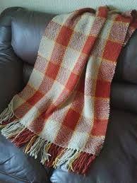 Resultado de imagen para pieceras a telar Plaid Scarf, Loom, Weaving, Fashion, Weaving Techniques, Tejidos, Bed Feet, Tapestries, Scarves