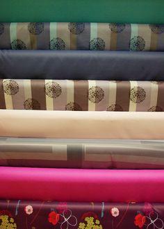 Tissus occultants polyester en 1m50.  Disponibles au rayon ameublement de votre magasin Ellen.