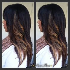 No filter, Second session Painted Hair Carmel blonde panels with long layered trim. - this looks cool Love Hair, Great Hair, Gorgeous Hair, Beautiful, Carmel Blonde, Curly Hair Styles, Natural Hair Styles, Corte Y Color, Hair Color And Cut