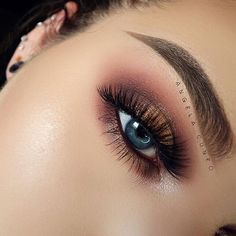 Beautiful look @angela_cuneo BROWS: #Dipbrow in Taupe EYES: Modern Renaissance palette and single shadow Red Earth with Darkside liner #anastasiabeverlyhills #modernrenaissance