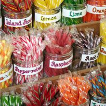 Stick Candy, just like in an old fashioned candy store Old Fashioned Sweets, Old Fashioned Candy, Old Fashioned Sweet Shop, Buffet Dessert, Candy Buffet, Old Candy, Penny Candy, Candy Display, Vintage Candy