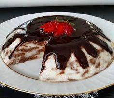 Şöyle sıcak akşamlarda buz gibi serin serin bir pasta yapmak isterseniz işte size hem pratik hem az malzemeli hemde çok lezzetli bir tarif..