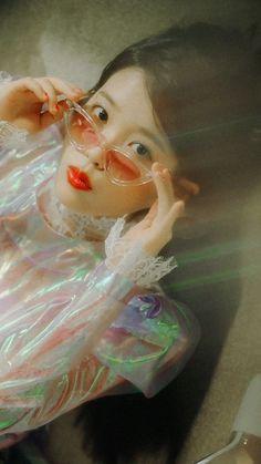 Kpop Aesthetic, Pink Aesthetic, Kpop Girl Groups, Kpop Girls, Photo Wall Collage, Korean Actresses, My Sunshine, Aesthetic Wallpapers, Cute Wallpapers