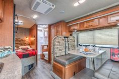 Our C-Large motorhome offers plenty of space for the whole family. Can you see yourself sitting here, reading a book or planning the next day?