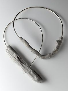 RIver bend adrift - driftwood and sterling silver necklaces by Linda Van Nieker. - RIver bend adrift – driftwood and sterling silver necklaces by Linda Van Niekerk: - Jewelry Crafts, Jewelry Art, Beaded Jewelry, Jewelry Accessories, Jewelry Design, Driftwood Jewelry, Wooden Jewelry, Diy Schmuck, Schmuck Design