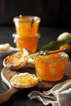 Mandarin Orange Prosecco Preserves-- orange marmalade is my favorite. Breakfast Desayunos, Good Food, Yummy Food, Jam And Jelly, Think Food, Chutneys, Canning Recipes, Canning Tips, Food Photography