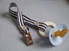 Easy DIY pacifier clip