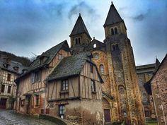 Visita a Conques, el pueblo más bonito de Francia. Qué ver en este bello pueblo medieval del Aveyron (Midi-Pyrénées) parada en el Camino de Santiago francés