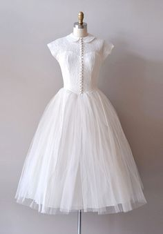 my dress will have a 50's flavour, but wont be white. Love this beautiful dress. DEAR GOLDEN VINTAGE