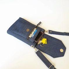 Fabric Crossbody Bags, Fabric Wallet, Fabric Bags, Diy Denim Wallet, Diy Wallet, Denim Bag Patterns, Diy Bags Patterns, Diy Phone Bag, Phone Wallet