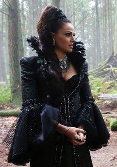 Regina Mills. Evil Queen outfit