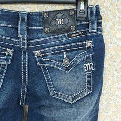 Miss Me Crop JS4009C9 Blue Jeans Excellent Condition Miss Me Blue Jeans Crop Miss Me Jeans Ankle & Cropped