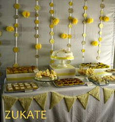 ZUKATE: GALERIA DE MESAS DULCES Baby Shower Table, Baby Boy Shower, Happy Birthday Lucy, Yellow Birthday Parties, Birthday Ideas, Fruit Decorations, Easter Flowers, Ideas Para Fiestas, Candy Party