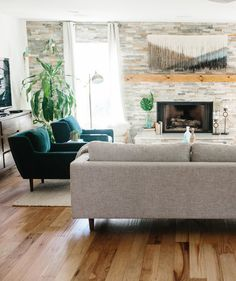 22 Modern Living Room Designs Go Casual With A Boho Living Room With Jewel Toned Furniture And Unique Accent Pieces. Snap To See More Modern Design Ideas. French Country Living Room, Boho Living Room, Living Room Modern, Living Room Designs, Living Room Decor, Small Living, Clean Living, Cozy Living, Living Rooms