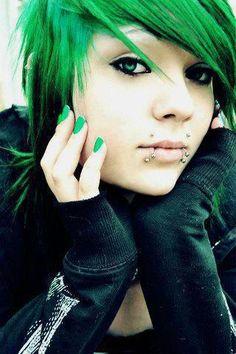 Snake Bite Piercing, Lip Piercing, Piercing Tattoo, Angel Bites Piercing, Septum, Green Hair Girl, Blue Green Hair, Neon Green, Black Hair