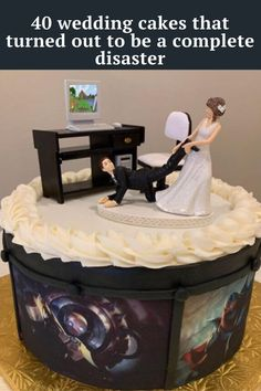 Here are 40 wedding cakes that people wish they could forget.
