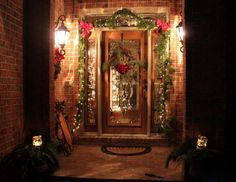 Beautiful Classic Christmas Outdoor Decorations Design Ideas With Brown Classic Brick Porch Wall And Red Pine Leaf Green Ribbon Bow Swag Pretty Remarkable And Beautiful Wreath Christmas Decoration Design Enchanting Best Outdoor Christmas Decorations, Diy Christmas Lights, Christmas Lanterns, Simple Christmas, Christmas Holidays, Outdoor Decorations, Christmas Design, Christmas Displays, Christmas Porch