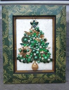 VINTAGE OOAK FRAMED COSTUME JEWELRY CHRISTMAS TREE MIXED JEWELRY ART BY MICHELLE on ebay