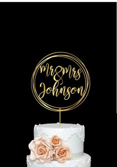 Calligraphy Personalized Wedding Cake Topper with Surname Mr Bride And Groom Cake Toppers, Rustic Cake Toppers, Personalized Wedding Cake Toppers, Wedding Shower Cakes, Floral Wedding Cakes, Geometric Cake, Beauty And Beast Wedding, Wedding Painting, Gold Wedding Decorations