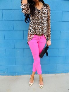 Loving these super trendy hot pink skinnies with a nuetral+metallic shoe and cheetah blouse combo to make for one great day-to-night- outfit!